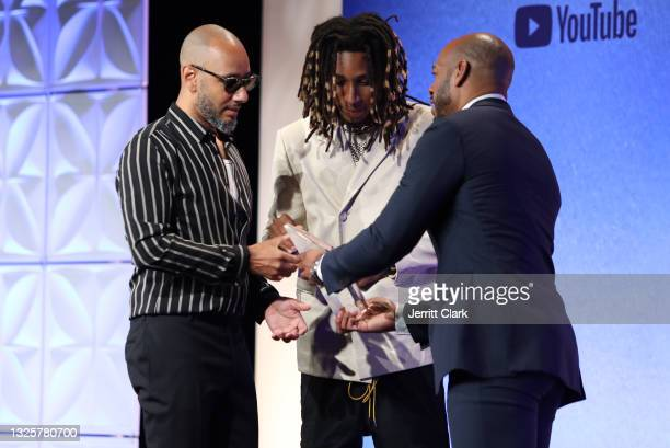Swizz Beatz onstage with son Nasir Dean and Demarco Morgan, receives the 2021 Culture Creatos Icon award attends the Culture Creators Innovators &...