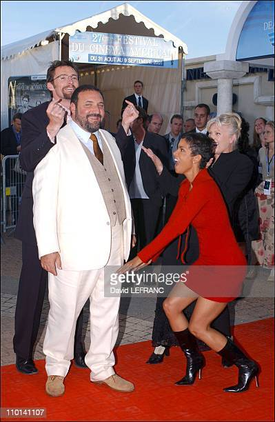 Swordfish movie premiere at the American film festival Hugh Jackman Joel Silver Halle Berry in Deauville France on September 01 2001