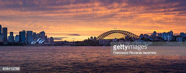 sydney at dusk, australia - francesco riccardo iacomino australia foto e immagini stock