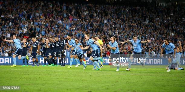 Sydney FC celebrate winning during the 2017 ALeague Grand Final match between Sydney FC and the Melbourne Victory at Allianz Stadium on May 7 2017 in...
