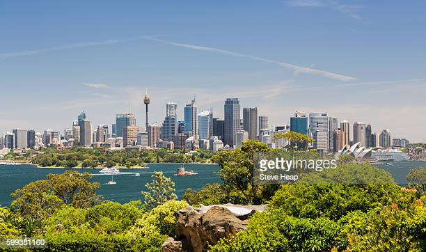 sydney harbour and cityscape from taronga zoo, australia - sydney photos et images de collection