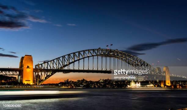 sydney harbour bridge at night - sydney harbour bridge stock pictures, royalty-free photos & images