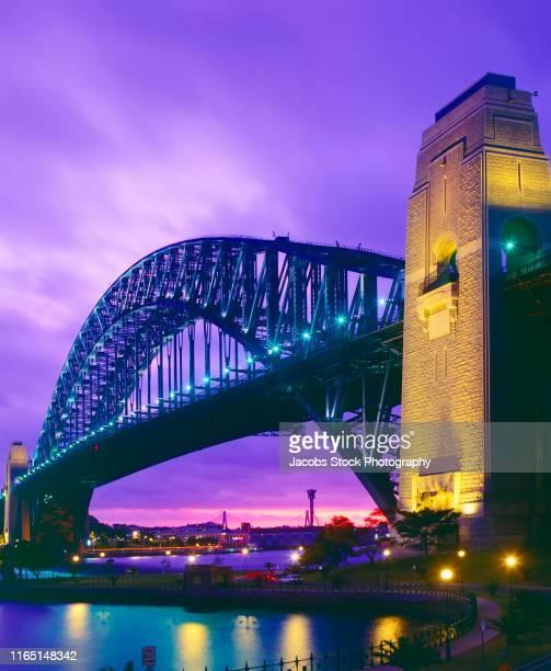 sydney harbour bridge - international landmark stock pictures, royalty-free photos & images