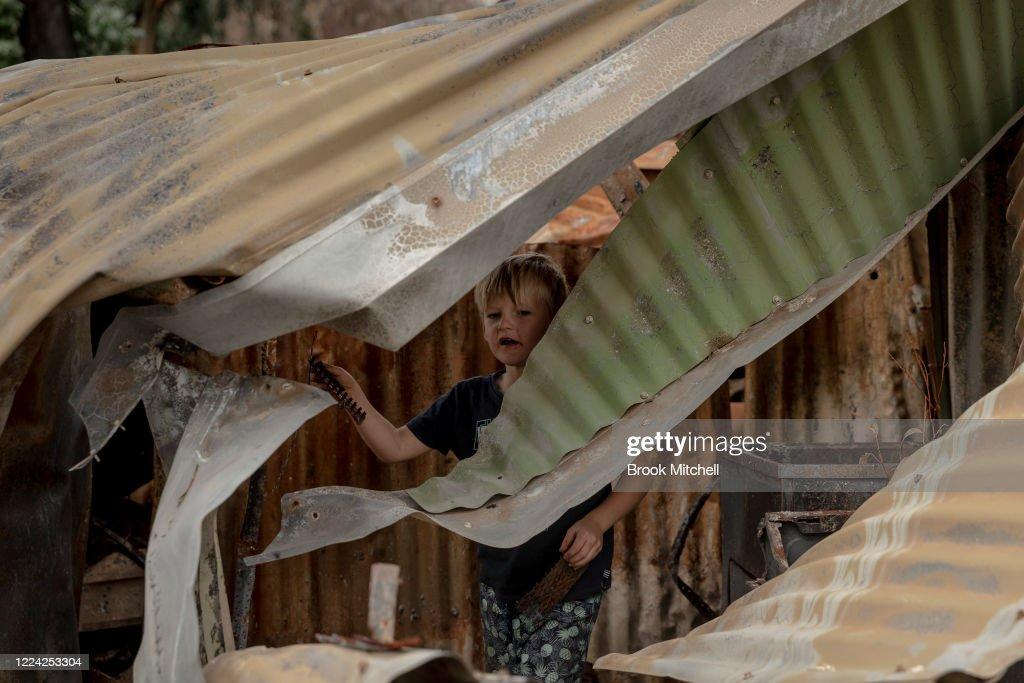 Sydney Livingston The Son Of Bushfire Survivor Ian Livingston Is News Photo Getty Images