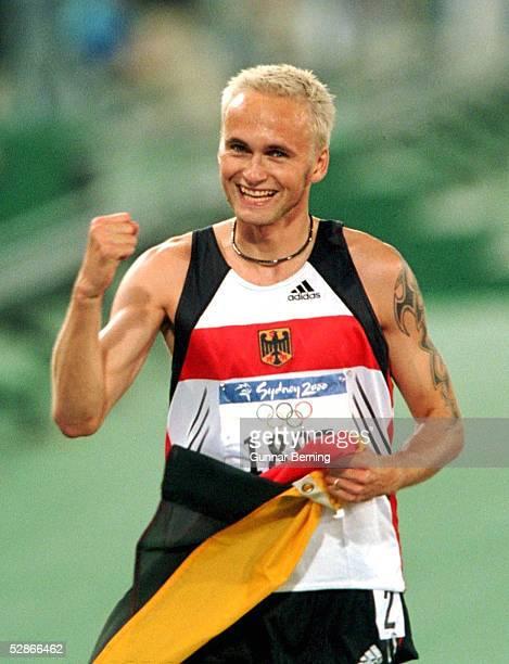 SYDNEY 2000 Sydney MAENNER/800m GOLD fuer Nils SCHUMANN/GER
