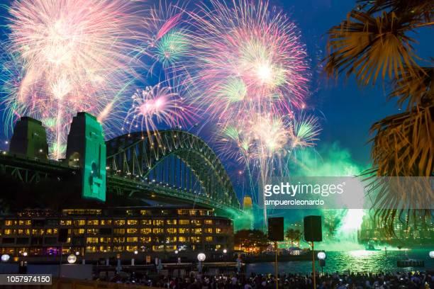 sydney new year's eve - nieuwjaarsreceptie stockfoto's en -beelden