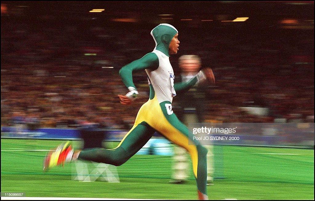 Sydney Olympics: Athletics: Cathy Freeman Wins Women'S 400 Meters Final In Sydney, Australia On September 25, 2000. : News Photo
