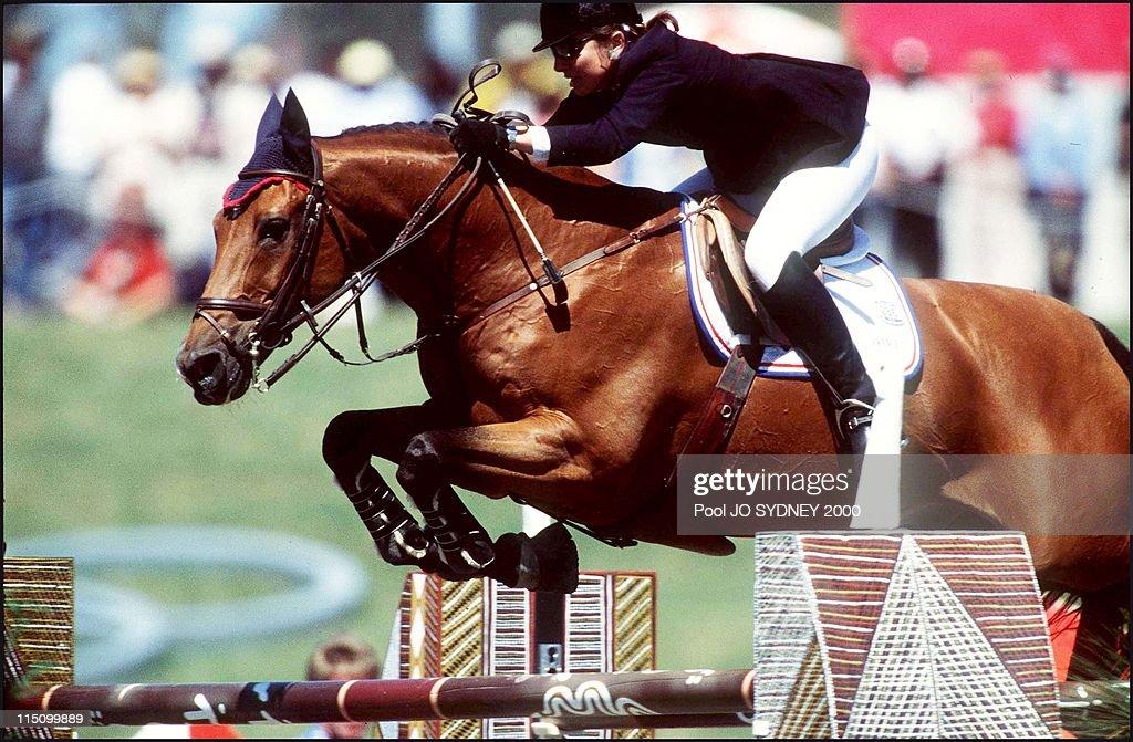 Jumping in Sydney, Australia on October 01, 2000 - Alexandra Ledermann (FRA).