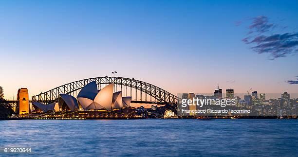 sydney, opera house and harbour bridge - francesco riccardo iacomino australia foto e immagini stock