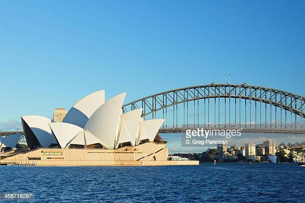 シドニーオペラハウス、ハーバーブリッジ - シドニー・オペラハウス ストックフォトと画像