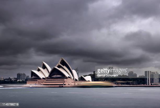 sydney opera house - bernd schunack photos et images de collection