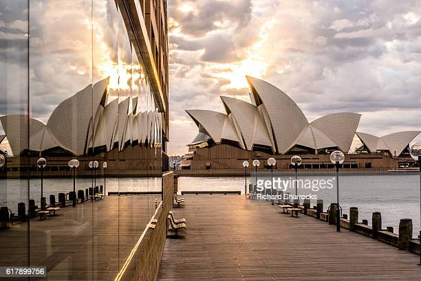 sydney opera house sunrise - sydney opera house stock pictures, royalty-free photos & images