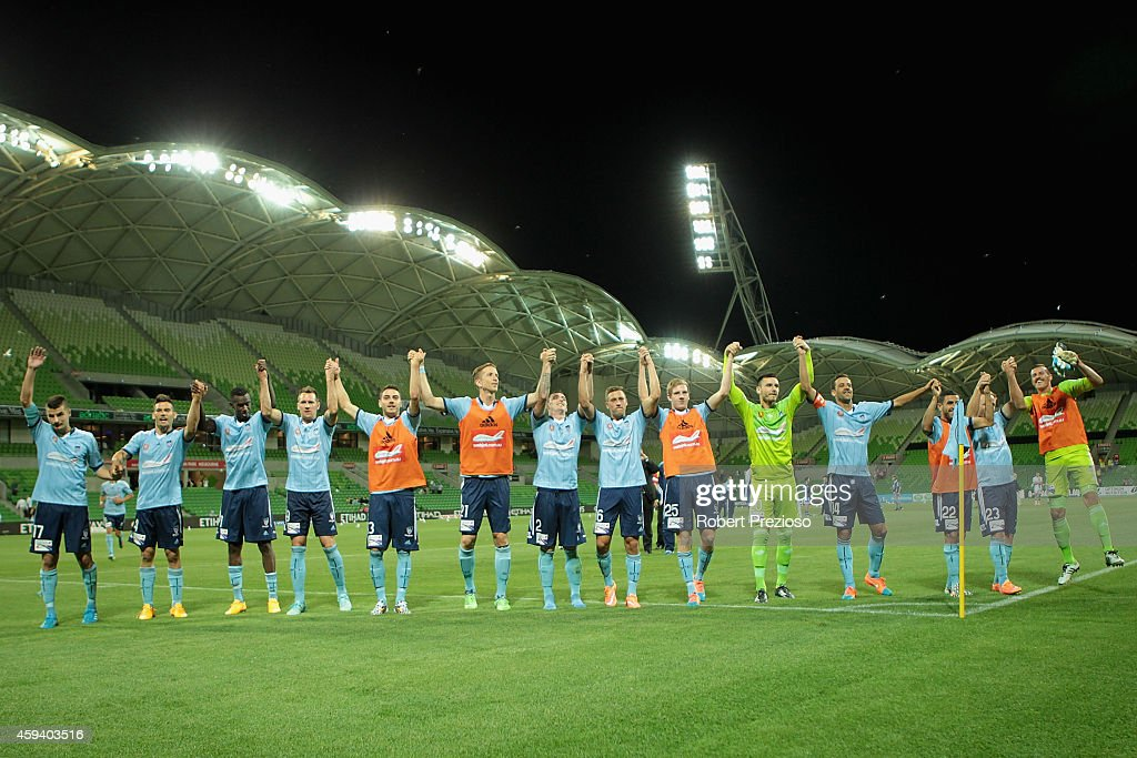 Sydney players thank fans afer a win during the round seven A-League match between Melbourne City and Sydney FC at AAMI Park on November 22, 2014 in Melbourne, Australia.