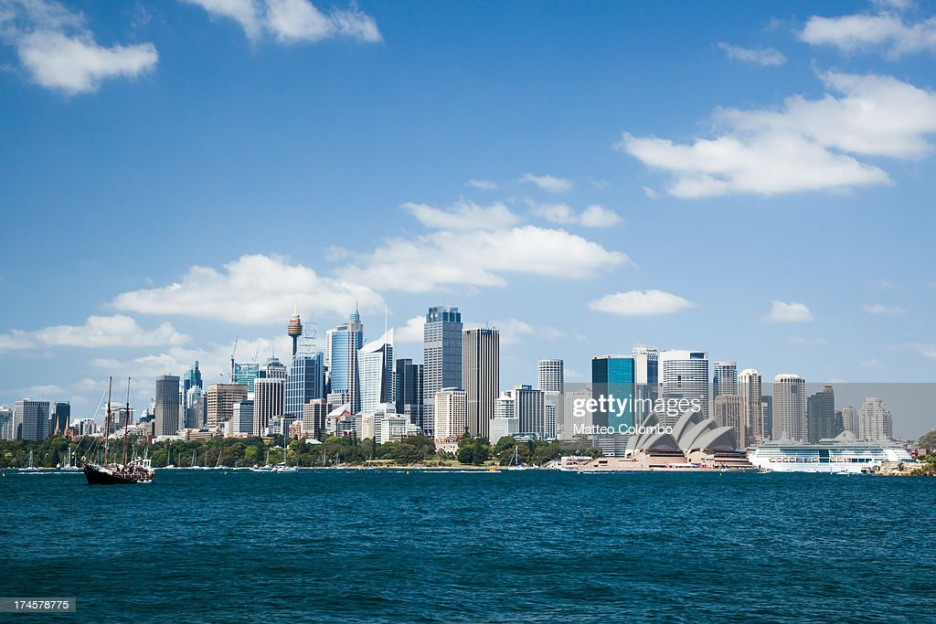 Sydney skyline with CBD and opera house in summer : ニュース写真