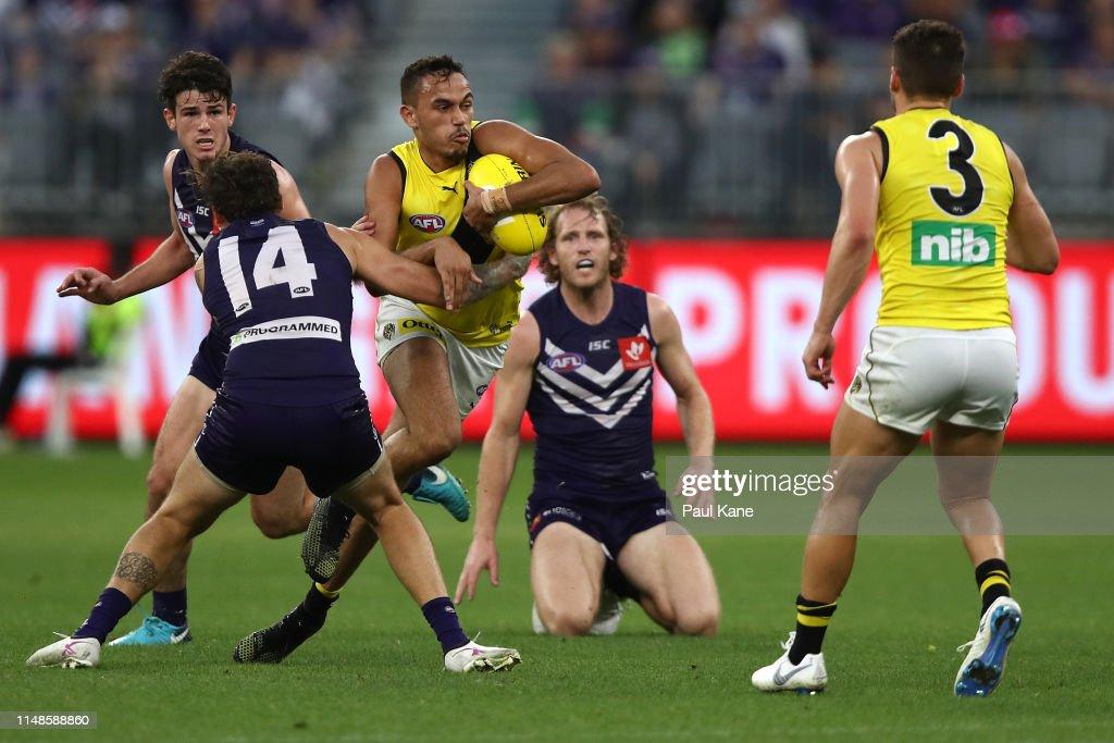 AFL Rd 8 - Fremantle v Richmond : News Photo