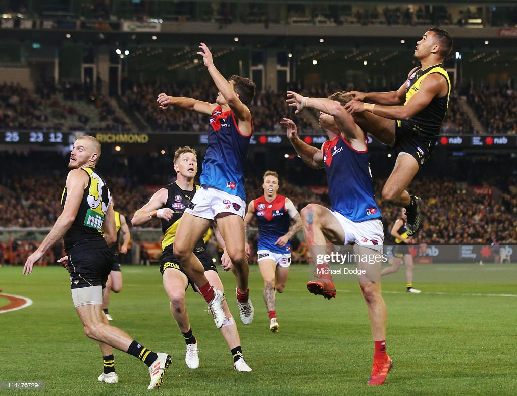 AFL Rd 6 - Richmond v Melbourne : News Photo