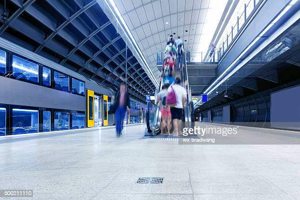 sydney subway platform - railway station stock pictures, royalty-free photos & images