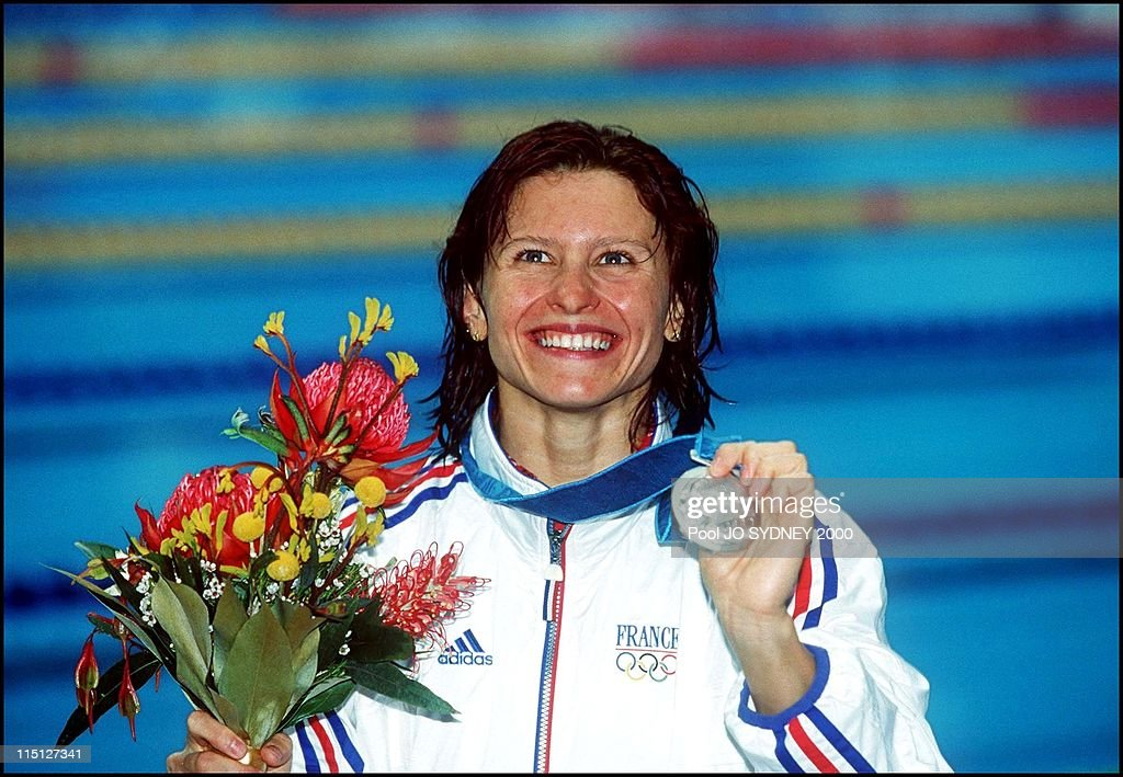 swimming in Sydney, Australia on September 22, 2000 - Women's 200m backstroke final, Roxana Maracineanu (fra), silver medal.