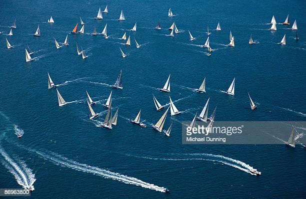 sydney to hobart yacht race - タスマニア州 ホバート ストックフォトと画像