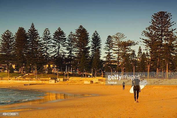 sydney's northern beaches - dee why beach - north stock pictures, royalty-free photos & images