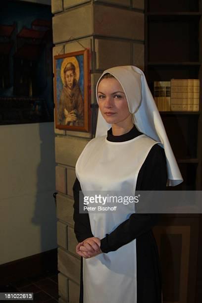 """Sylvia Agnes Muc, Theaterstück """"Drei plus eins gleich Halleluja"""", Theater in Bad Godesberg, Komödie, Kloster, Klosterfrau, Nonne, Verkleidung,..."""