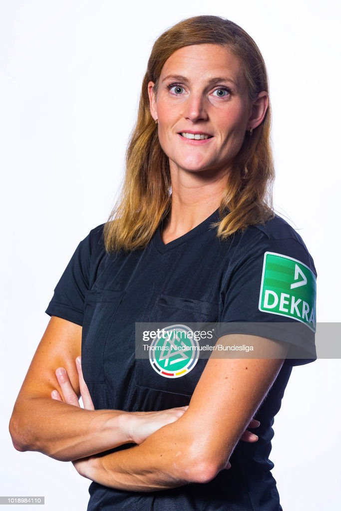 DFB Female AFBL Referees - Portrait Session