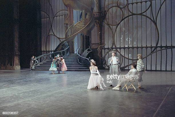 Sylvie Guillem Charles Jude and the dancers of the Ballet of the National Theater of the Opera of Paris in the ballet 'Cendrillon' choreographed by...