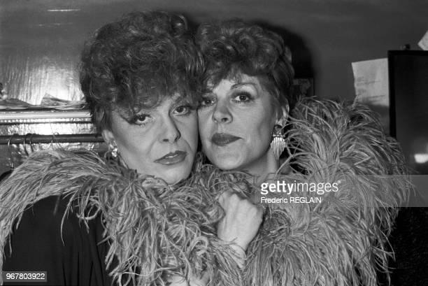 Sylvie Joly et son sosie un travesti nommé Fifi à Paris le 13 novembre 1985 France