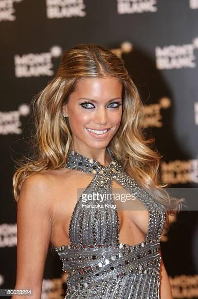 Sylvie Van Der Vaart Bei Der Charity Gala Und Weltpremiere Der Montblanc Prinz Rainier Iii Limited Edition 81 Hommage An Fürst Rainier Iii Von Monaco...