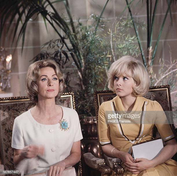 Sylvie Vartan At Home And During The Shooting Of The Film 'Patate' With Danielle Darrieux And Jean Marais France mai 1964 A l'occasion du tournage du...