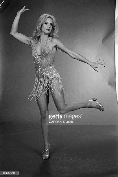 Sylvie Vartan Involved In The Television Programme 'Dancing Star' France Paris 8 décembre 1976 dans un studio des Buttes de Chaumont la chanteuse...