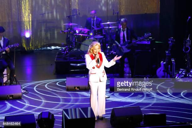 Sylvie Vartan performs at L'Olympia on September 15, 2017 in Paris, France.