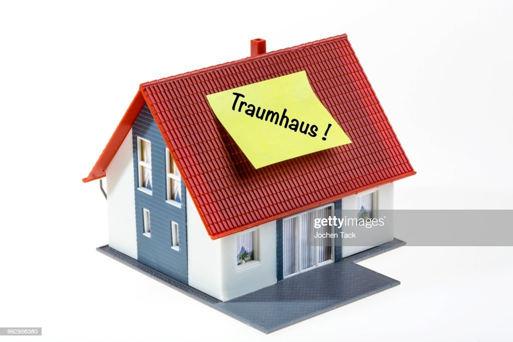 symbol for real estate dream house in german ストックフォト getty