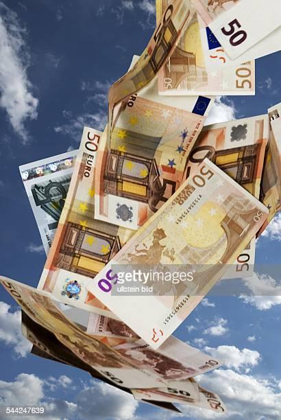 Symbol Gewinn Lottogewinn Geldsegen Geldregen Euro Geldscheine am Himmel 2004