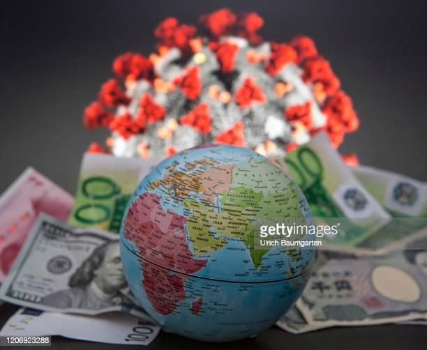 Symbol photo on the subjects corona virus, COVID-19, corona epidemic, retail trade, food hoarding, health, food preserves, world economy, health...