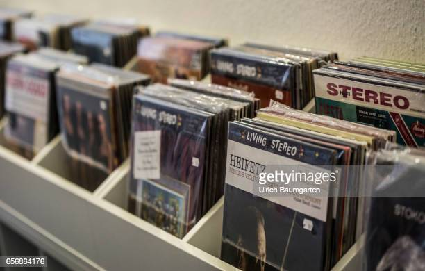 Symbol photo on the theme Renaissance of the records . The photo shows a shelf with records.