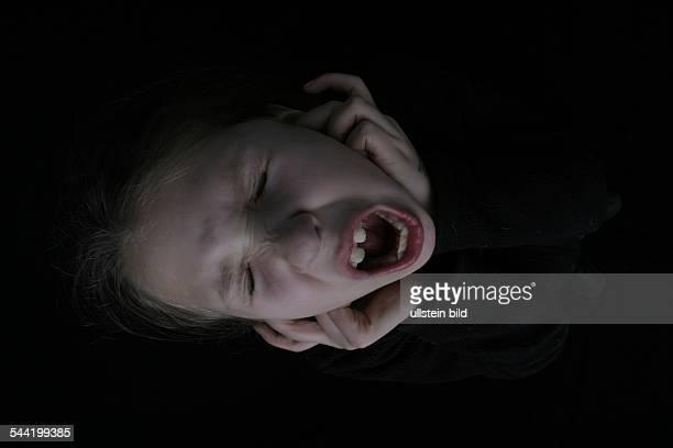 Symbol Schrei Schmerz Qual Kind schreit