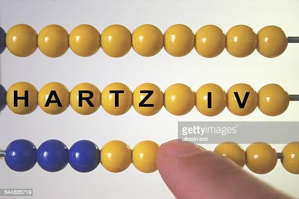 Symbol Sozialreformen Arbeitslosigkeit Arbeitslosengeld 2 Alg2 Abakus mit der Aufschrift Hartz IV