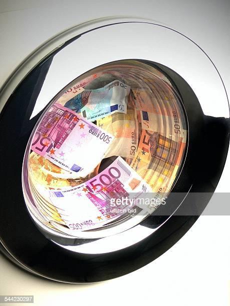 Euro Geldscheine in der Waschmaschine