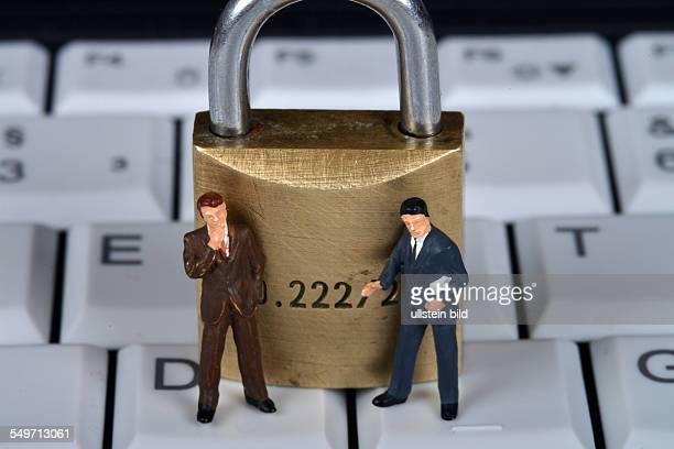 Symbolfoto Tastatur Computer Sicherheit Vorhaengeschloss / Vorhängeschloß