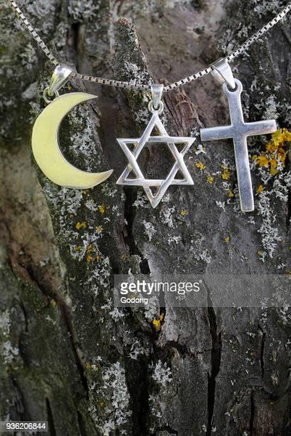 Symbols of islam islam and christianity