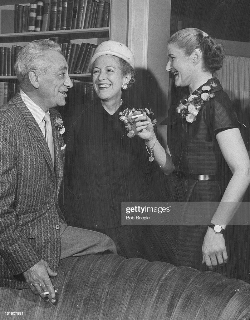 OCT 23 1957, NOV 3 1957; Symphony Guild Tea Draw *****; Honor guests at the Symphony Guild annual me : News Photo