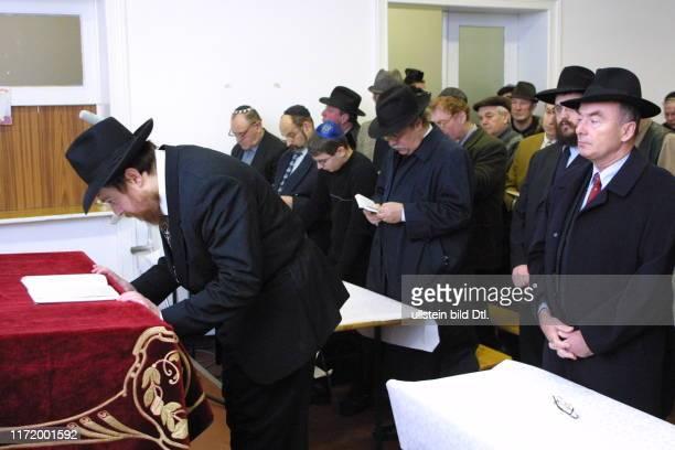 Synagoge Potsdam Juden beten gegen Anschlaege auf juedische Einrichtungen Gottesdient Rabiner Rabi Andreas Nachama Joerg Schoenbohm Michael Platzeck