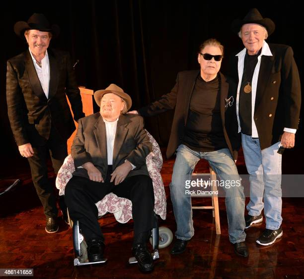 Synciated Radio host Kix Brooks CMHOF Members Mac Wiseman Ronnie Milsap and Bobby Bare attend the 2014 Country Music Hall Of Fame Inductees...
