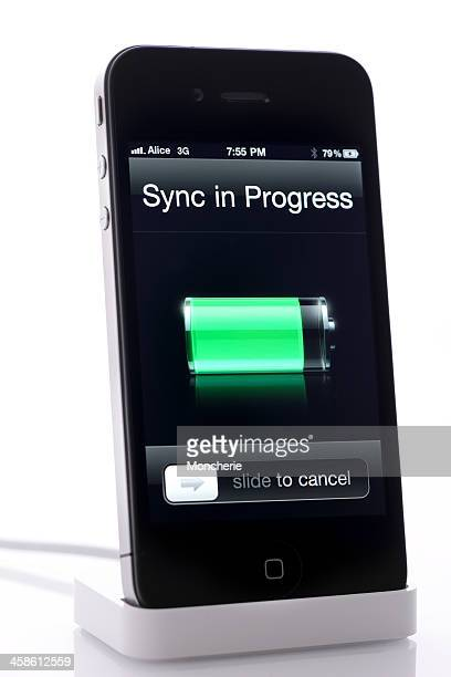 Syncronizing iPhone 4 and usb cable isolated