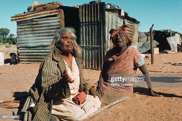 syphilitic aborigines - sifilis fotografías e imágenes de stock
