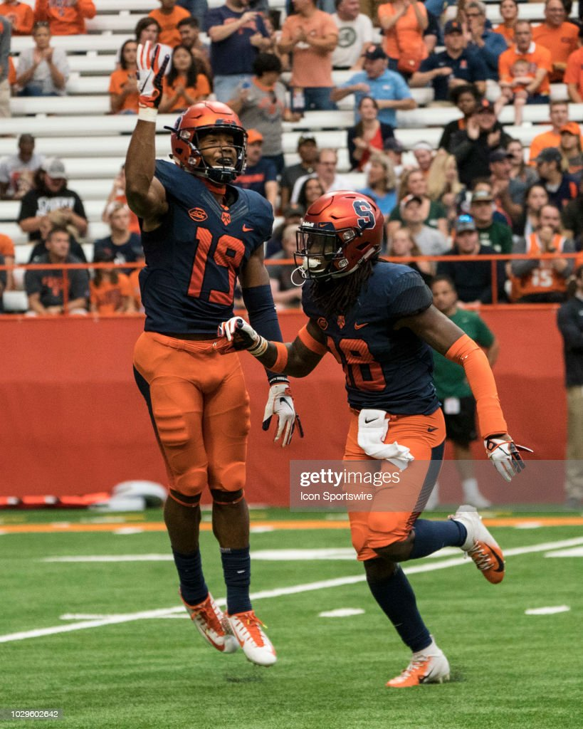 COLLEGE FOOTBALL: SEP 08 Wagner at Syracuse : News Photo