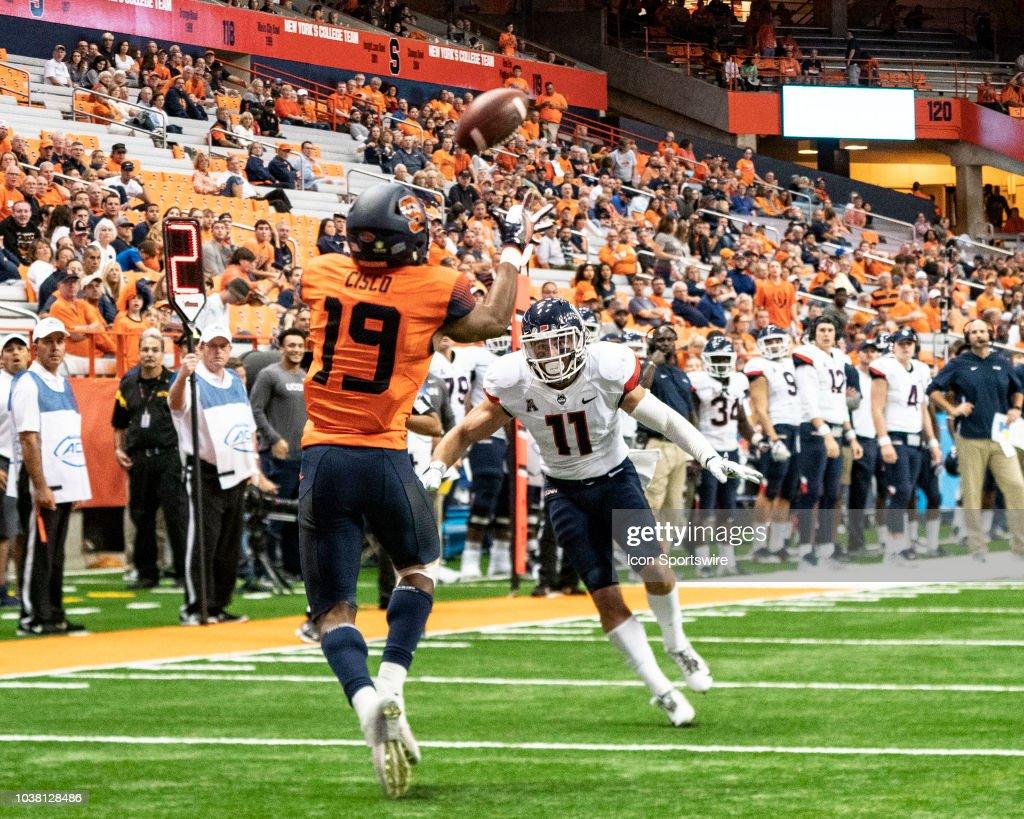 COLLEGE FOOTBALL: SEP 22 UConn at Syracuse : Nachrichtenfoto