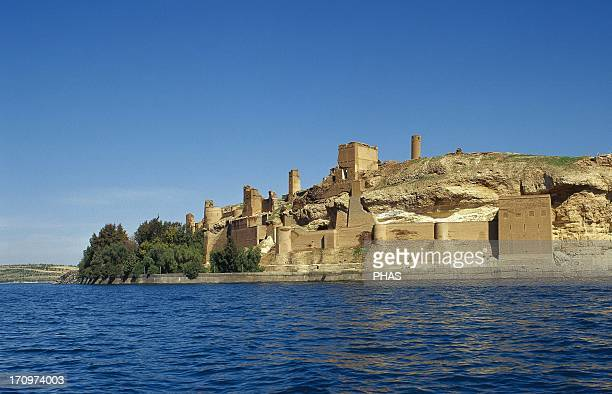 Syria Qal'at Ja'bar Castle on the left bank of Lake Assad The current structures are primarily the work of Nur adDin Zangi who rebuilt the castle...