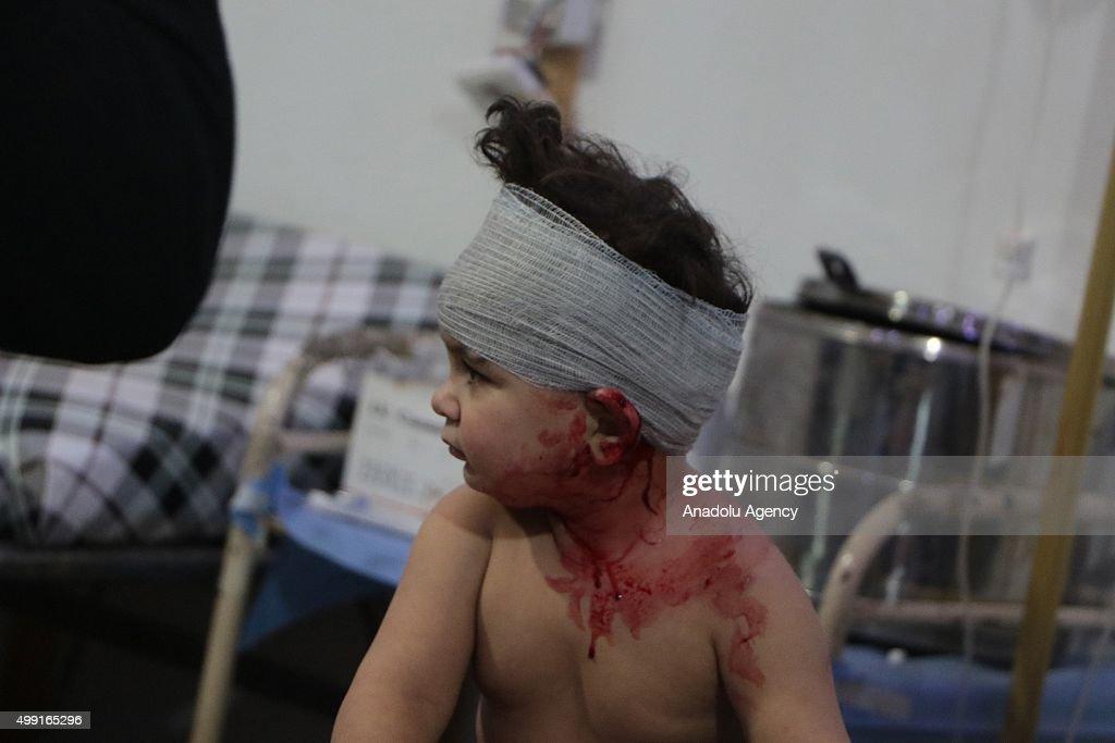 Syrian regime airstrikes hit civilians in Damascus : Nachrichtenfoto